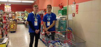 Olescy uczniowie zebrali 588 kg żywności da potrzebujących