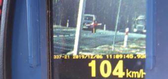 Jechała w zabudowanym 104 km/h. Straciła prawo jazdy