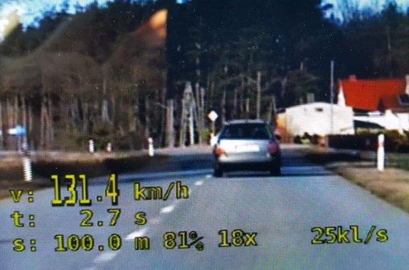 Kierujący passatem gnał 131 km/h w zabudowanym