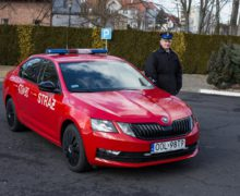 Oleska straż ma nowy, lekki samochód operacyjny