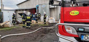 Pożar na terenie firmy w Dobrodzieniu