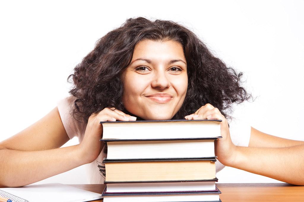 Czy zatrudniając studenta musisz opłacać składki w ZUS?