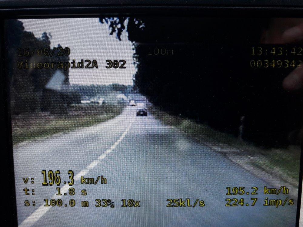 Pędził volkswagenem blisko 200 km/h między Olesnem a Dobrodzieniem