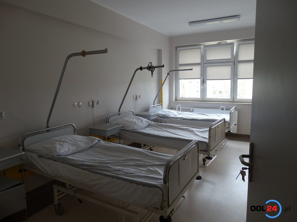 Koronawirus w oleskim szpitalu. Zawieszono rehabilitację i oddział ginekologiczno-położniczy. Sytuacja jest dynamiczna