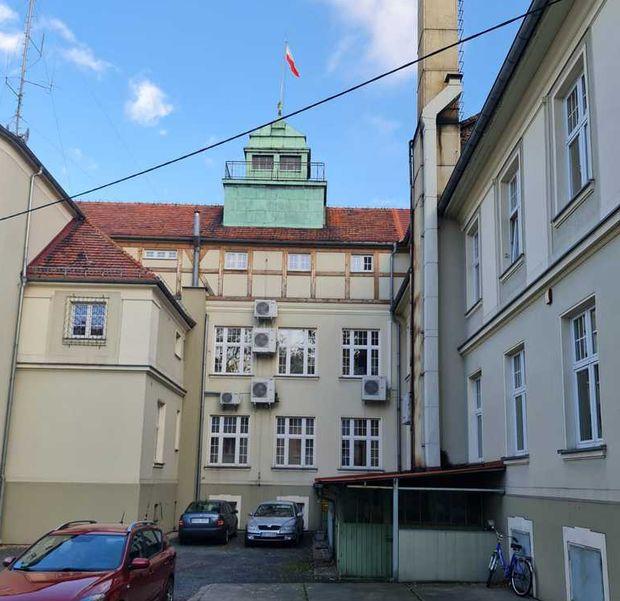 Budynek Urzędu Miejskiego w Oleśnie doczeka się windy
