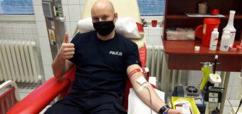 Olescy strażacy i policjanci dali przykład w walce z koronawirusem
