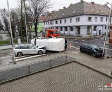 Zderzenie trzech samochodów w Dobrodzieniu