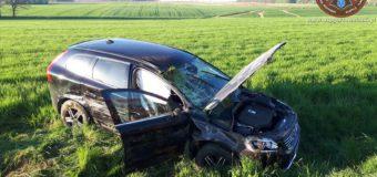 Trzy osoby poszkodowane po wypadku w Dębinie