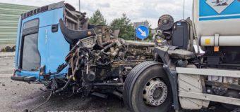 Zderzenie dwóch ciężarówek na obwodnicy Myśliny